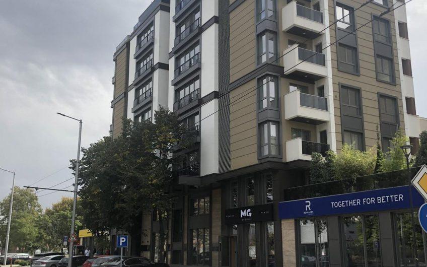 Апартамент в центъра за първи наематели